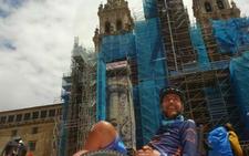 Jorge Abarca corona su reto más duro en la Plaza del Obradoiro