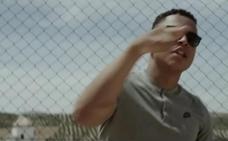 Retiran el videoclip de un rapero grabado en Granada en el que salían menores con drogas y armas