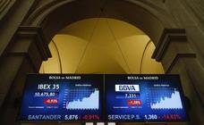 El Ibex sube un 0,42% en la semana, pese a bajar de martes a viernes