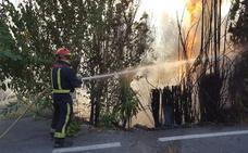 Extinguen un incendio en el Puente de la Sierra