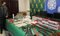 El 'legado' de los narcos cae y deja en un año 'solo' dos vehículos, cinco mil euros y joyas