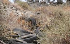 La Junta vigilará los acantilados hasta que los neumáticos puedan retirarse