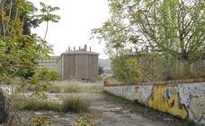 La Junta llevará a cabo la demolición de las naves del Cuartel de Mondragones a final de año