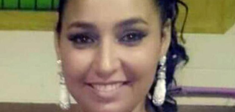La familia de la joven muerta en el ascensor denuncia al hospital sevillano