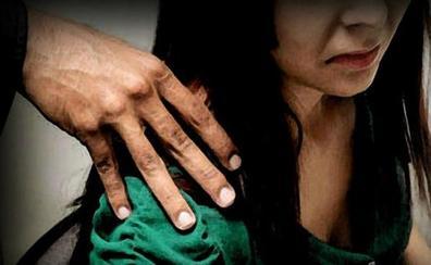 Una mujer de 49 años simula una violación por un ataque de celos