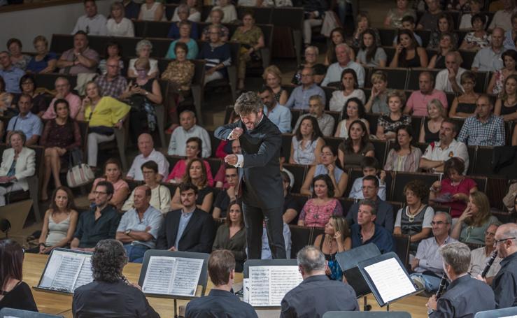 Pablo Heras-Casado dirigirá la Banda de Música de Granada en su centenario