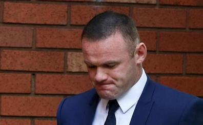 Rooney, dos años sin carnet por conducir borracho