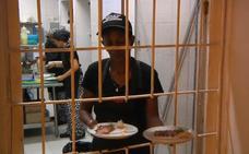 El restaurante situado en plena cárcel en el que las presas sirven las mesas