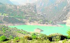 El verano deja los pantanos de la provincia en situación crítica