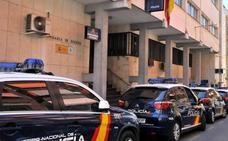 Desmantelan un punto negro de venta y distribución de droga en Linares y detienen a tres personas