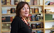 La 'cazadora' de escritores: así logra fichar a los mejores