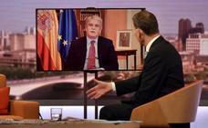 Dastis dice en la BBC que se difundieron muchas noticias y fotos falsas el 1-O