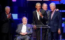 La solidaria causa que reúne a los cuatro últimos presidentes de Estados Unidos