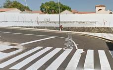 Atropellan a dos niños pequeños en un paso de peatones frente a su colegio