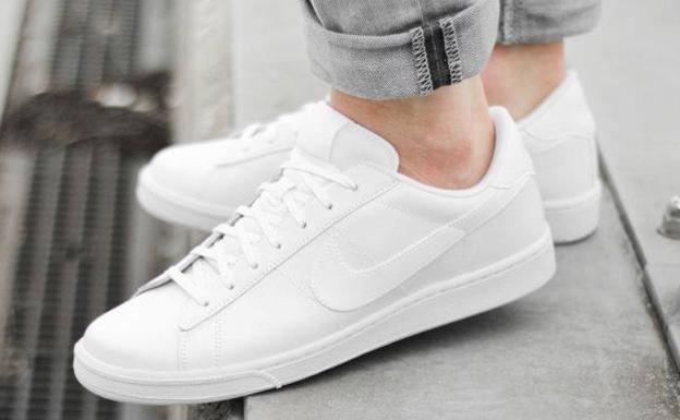 8aabf916c60 El truco casero infalible para dejar tus zapatillas blancas impolutas