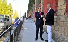 Una rampa facilitará el acceso al cementerio de San Sebastián
