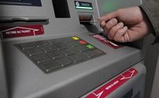 La Guardia Civil alerta del último y peligroso timo en los cajeros automáticos