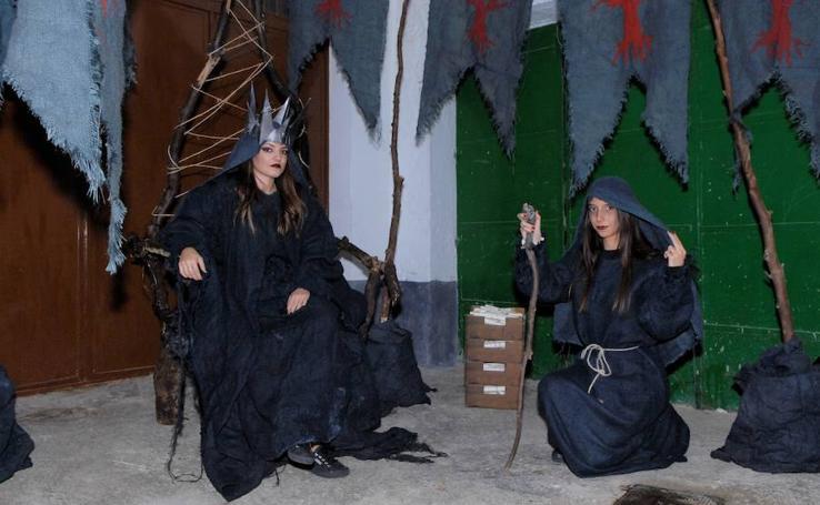 La I Noche de Brujas de Soportújar atrae a centenares de hechiceras y vecinos de otros lugares de Andalucía