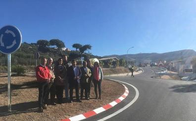 Diputación acondiciona el acceso a Fuensanta de Martos y mejora la entrada a su polígono industrial