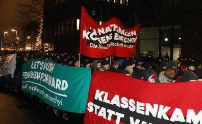 La ultraderecha alemana elige líder en medio de protestas