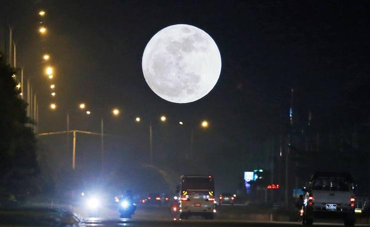 Las mejores imágenes de la Superluna alrededor del mundo