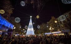 Granada ya luce su Navidad