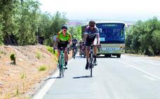 Jugarse la vida en las carreteras de Granada
