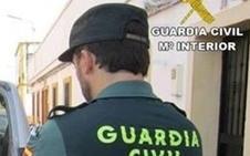 Roban seis viviendas aisladas en Torrox y se ocultan en un asentamiento chabolista en Granada