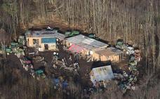 La aldea de 'cuatro casas' que paraliza la construcción de un aeropuerto