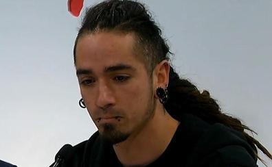 """La madre de Rodrigo Lanza dice que su hijo está encerrado en una celda donde se """"roza la tortura"""""""