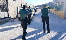 A prisión uno de los dos hermanos detenidos por el apuñalamiento de un hombre en Deifontes