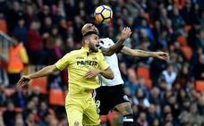 El Villarreal mantiene su idilio con Mestalla tras un tenso duelo