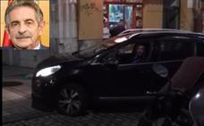 «¡Que sople, que sople!»: reproches a Revilla por conducir en dirección contraria en Nochebuena