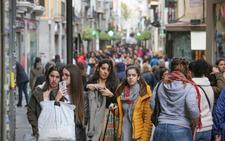 Los comercios de Granada podrán abrir el día 2 de enero pese a ser festivo: consulta los horarios