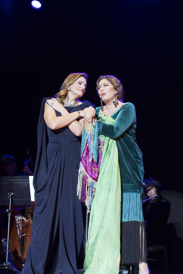 Estrella Morente y Ainhoa Arteta brillan en Granada