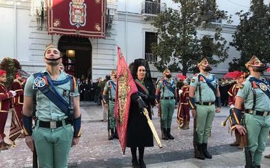 La Toma de Granada se desarrolla entre pitidos y protestas