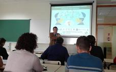 Unicaja y la UJA acercan el mundo de la banca y los productos financieros a los estudiantes