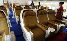 Dos pilotos de una aerolínea india se pelean y abandonan la cabina en pleno vuelo
