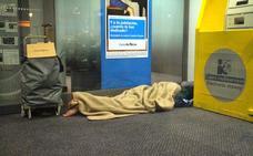 «El que duerme en cajeros es porque quiere»: la polémica frase de un político del PP
