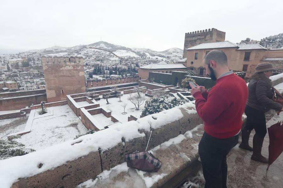 La Alhambra nevada, una postal incomparable