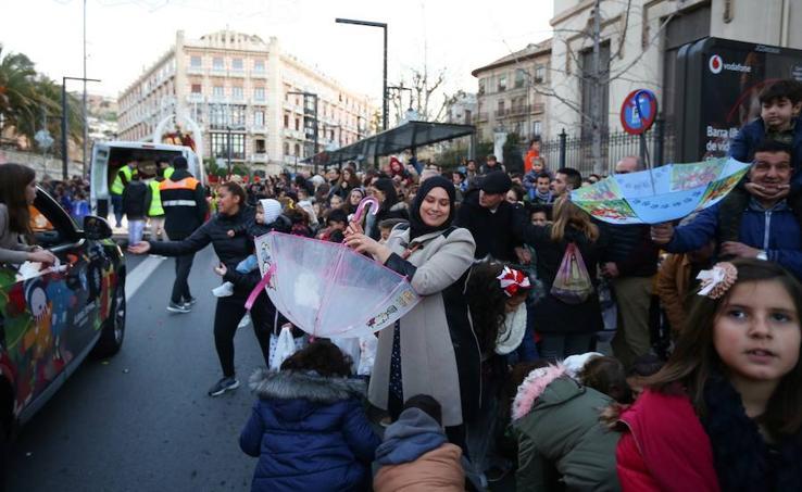 El mejor ambiente de Reyes por las calles de Granada
