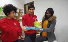 Más de 800 menores de Almería tienen juguetes gracias a la campaña de Cruz Roja Juventud