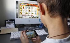 Adicto y 'arruinado' por el póquer con 13 años