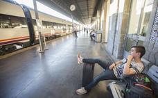 Casi un centenar de trenes ha superado el cuarto de hora de retraso en Almería en sólo nueve meses