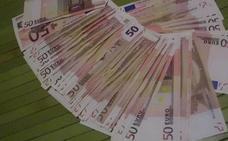 Premio al honrado: le devuelven los 2.800 euros que encontró y entregó a la Policía tras no hallar al dueño