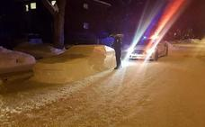 El genial 'troleo' de un chico a la policía con esta escultura de nieve