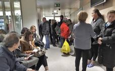 El Colegio de Médicos denuncia la saturación de Urgencias y la demora en la atención de enfermos