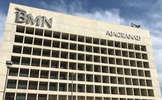 Bankia comienza a desmontar el logo de CajaGranada