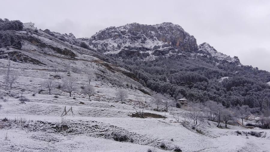 Cazorla despierta bajo la nieve