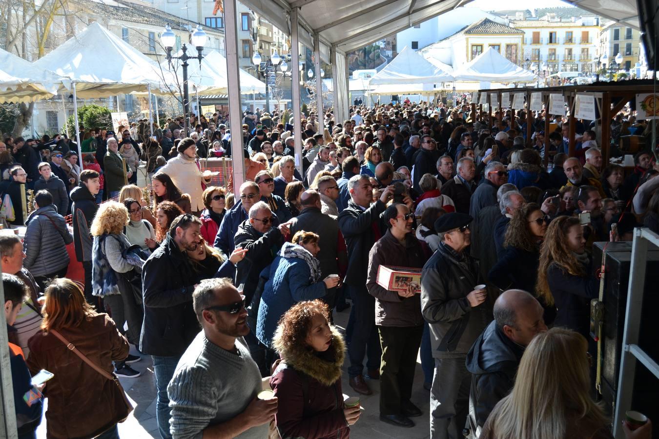 Alhama celebra su multitudinaria fiesta del vino